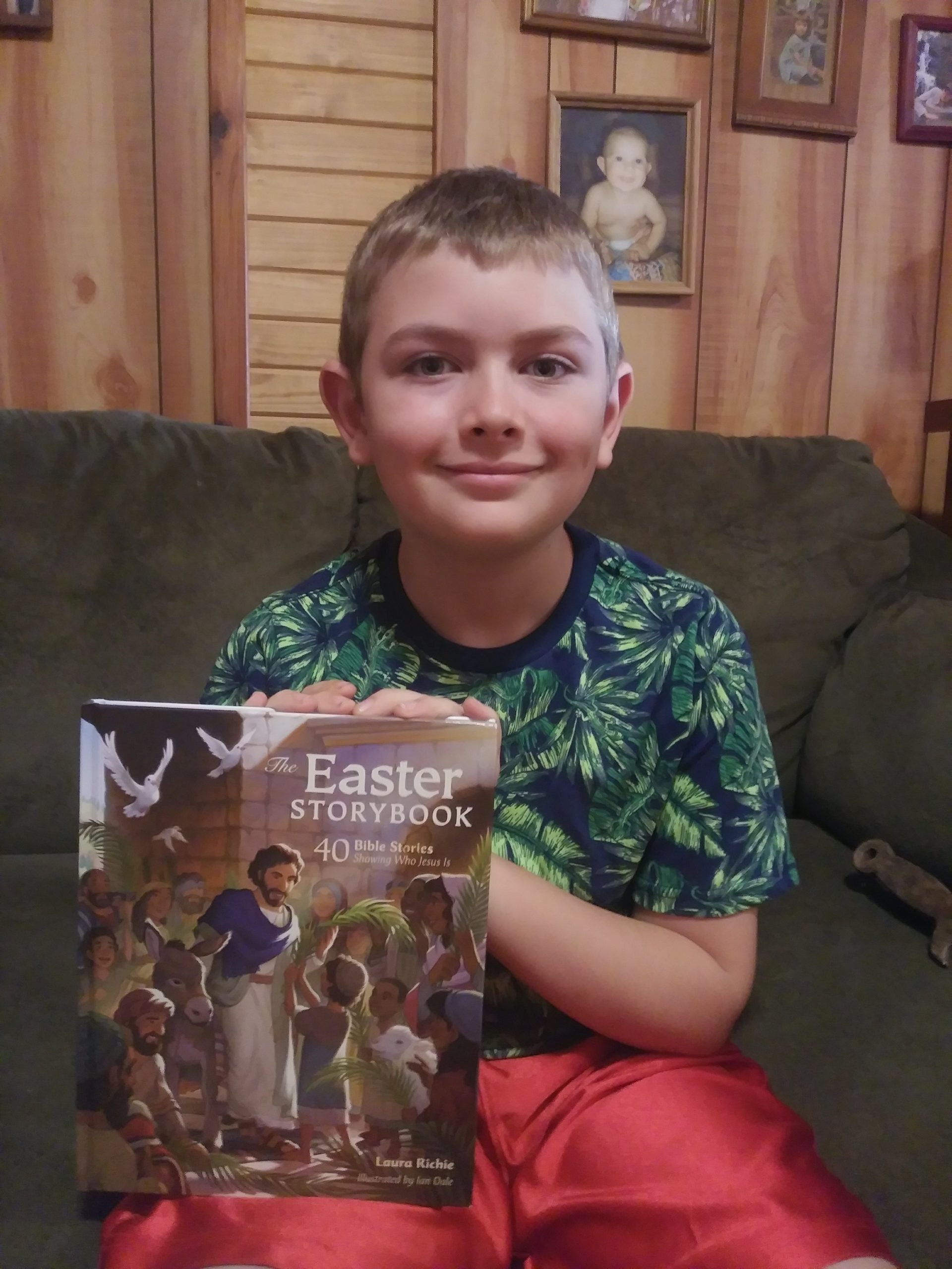 Hsreview Easter storybook